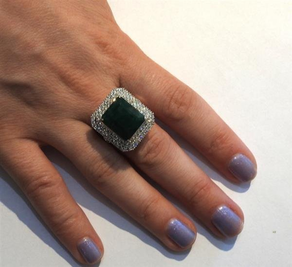 18K Gold 12ct Emerald Diamond Cocktail Ring - 5