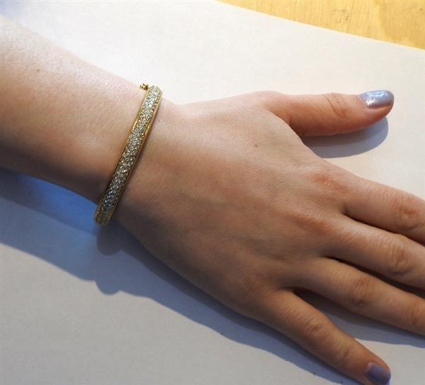 18k Gold Diamond Bangle Bracelet - 5