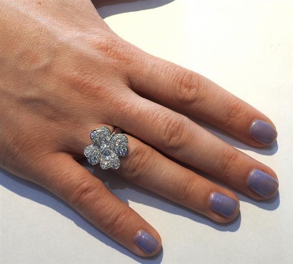 Van Cleef & Arpels VCA Cosmos 18K Gold Diamond Ring - 5