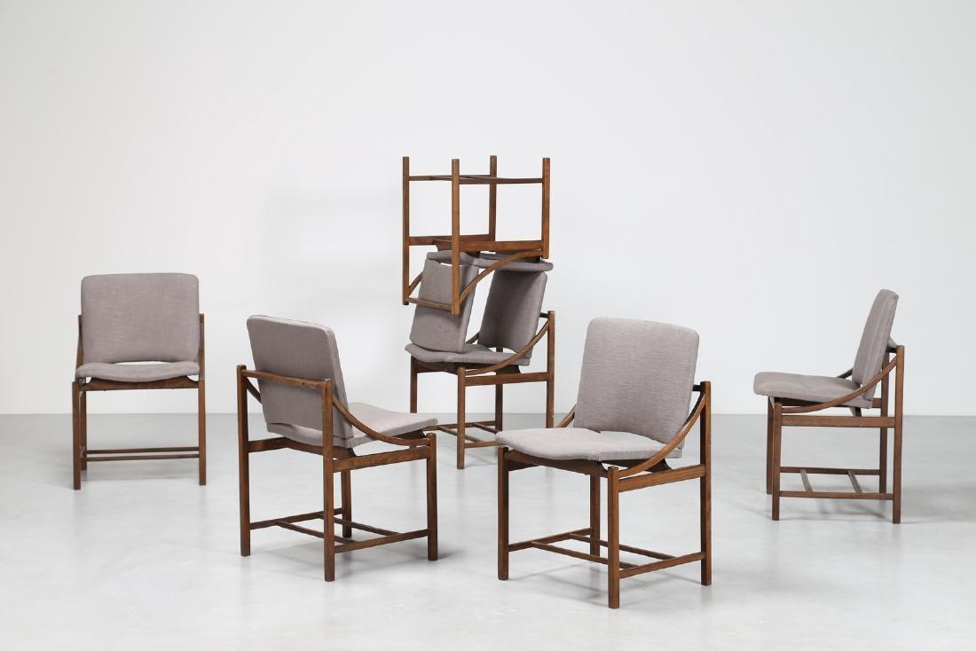 MANIFATTURA ITALIANA  Sei sedie in legno e tessuto,