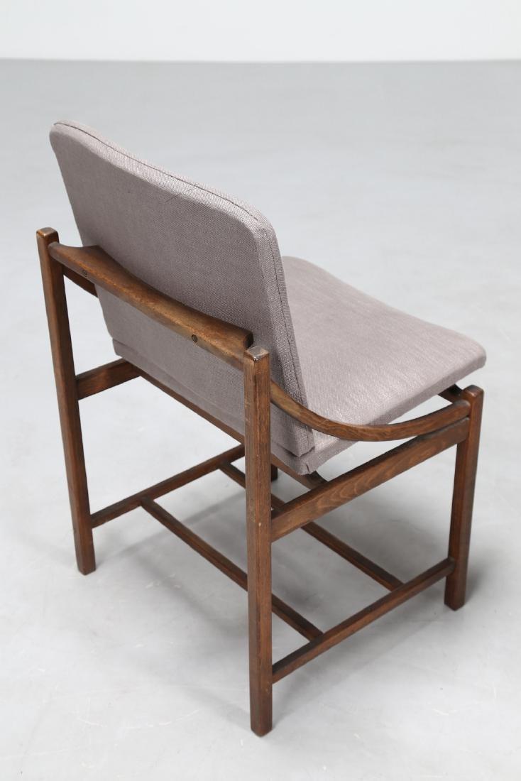 MANIFATTURA ITALIANA  Sei sedie in legno e tessuto, - 3