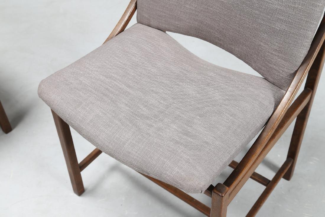 MANIFATTURA ITALIANA  Sei sedie in legno e tessuto, - 5