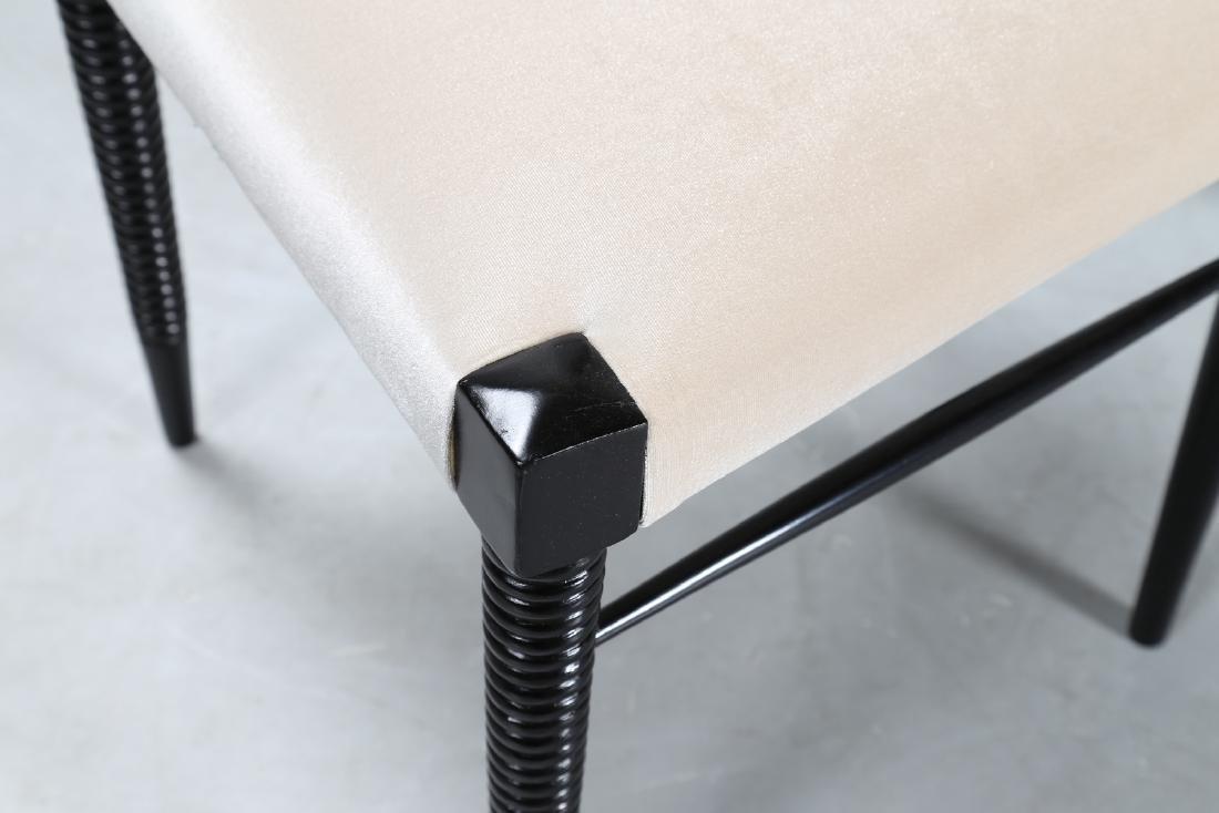 PIER LUIGI COLLI Sei sedie in legno laccato nero e - 4