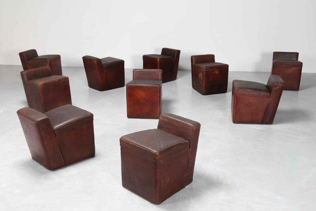MANIFATTURA ITALIANA  Dieci pouf con struttura in legno - 2