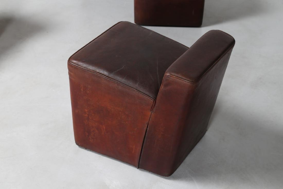 MANIFATTURA ITALIANA  Dieci pouf con struttura in legno - 4