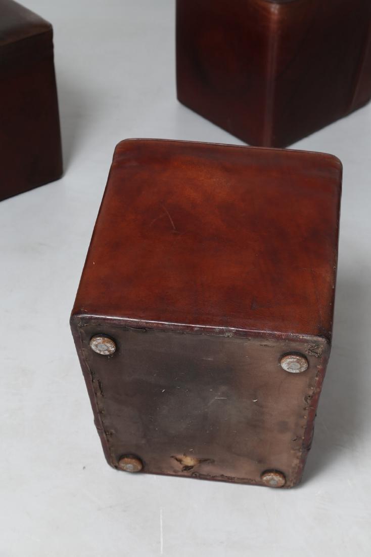 MANIFATTURA ITALIANA  Dieci pouf con struttura in legno - 5