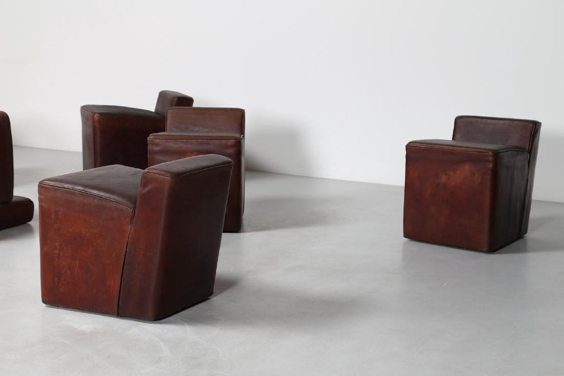 MANIFATTURA ITALIANA  Dieci pouf con struttura in legno - 6