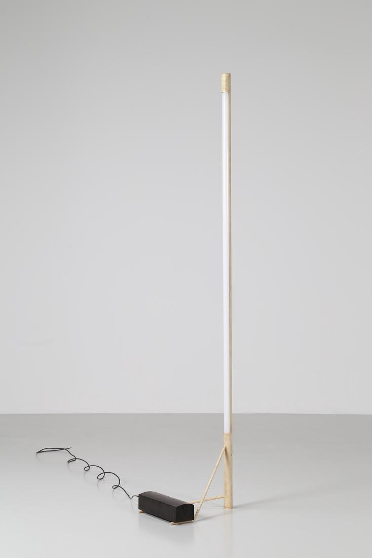 GINO SARFATTI Floor metal and brass lamp mod. 1063,