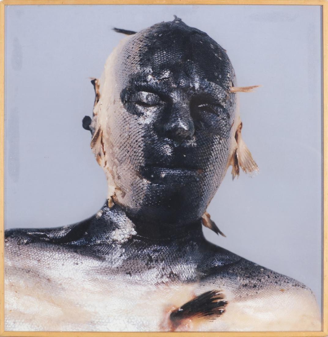 ROBERT GLIGOROV Skin fish.