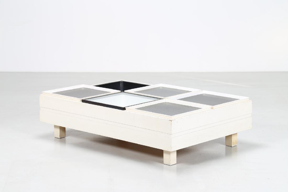 SORMANI  Tavolino da salotto in legno laccato bianco,