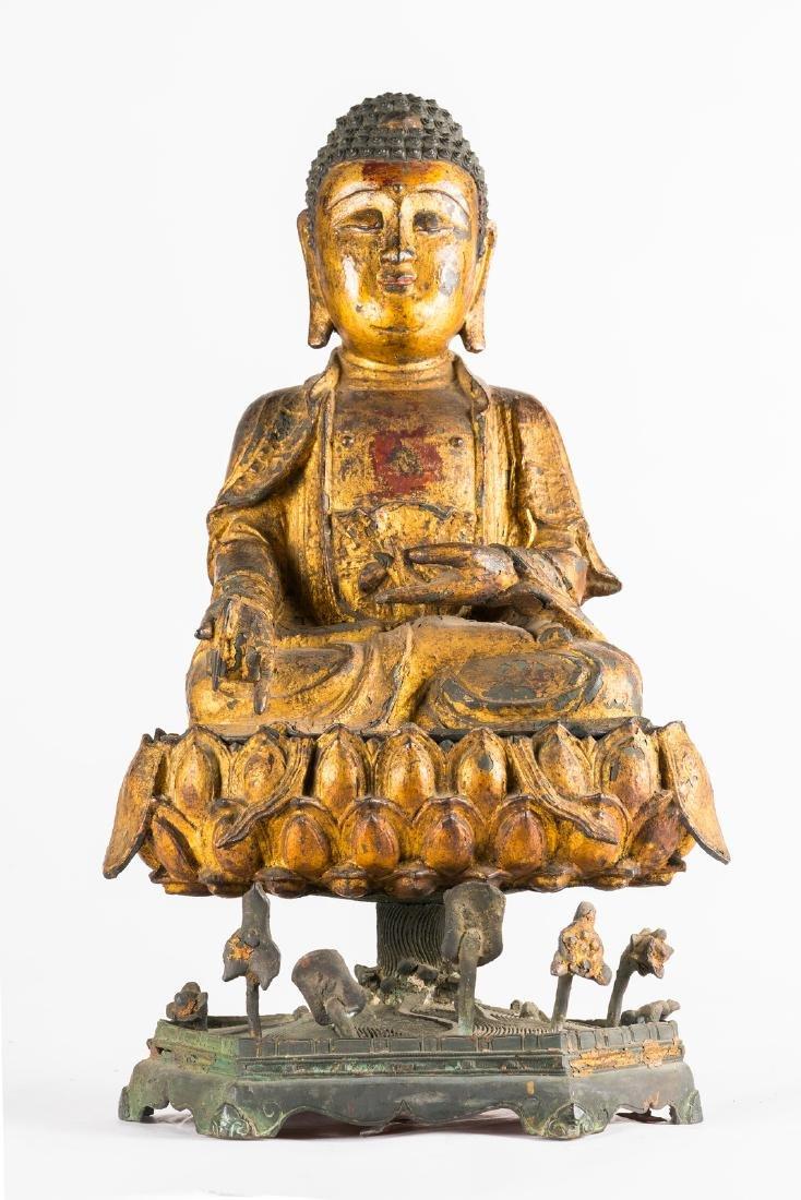 Arte Cinese  A rare, massive, gilt lacquered bronze