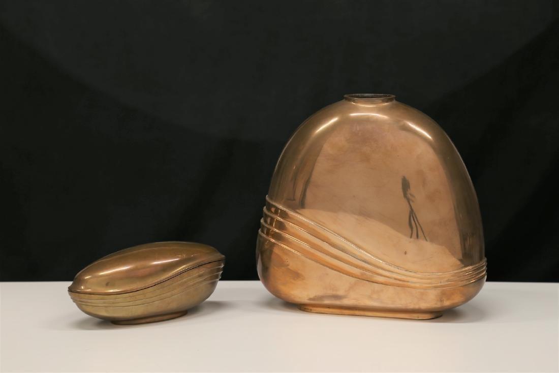 ESA FEDRIGOLLI Vaso e scatola in bronzo, anni 60. Firma