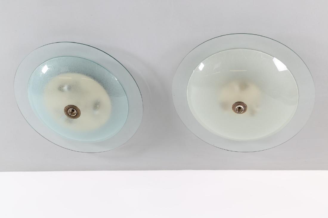PIETRO CHIESA Coppia plafoniere in vetro e ottone, per