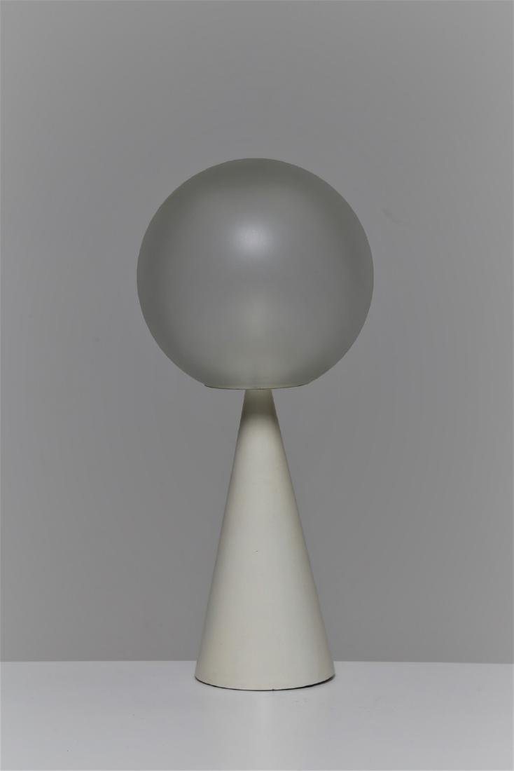 GIO' PONTI Lampada da tavolo in metallo laccato e vetro
