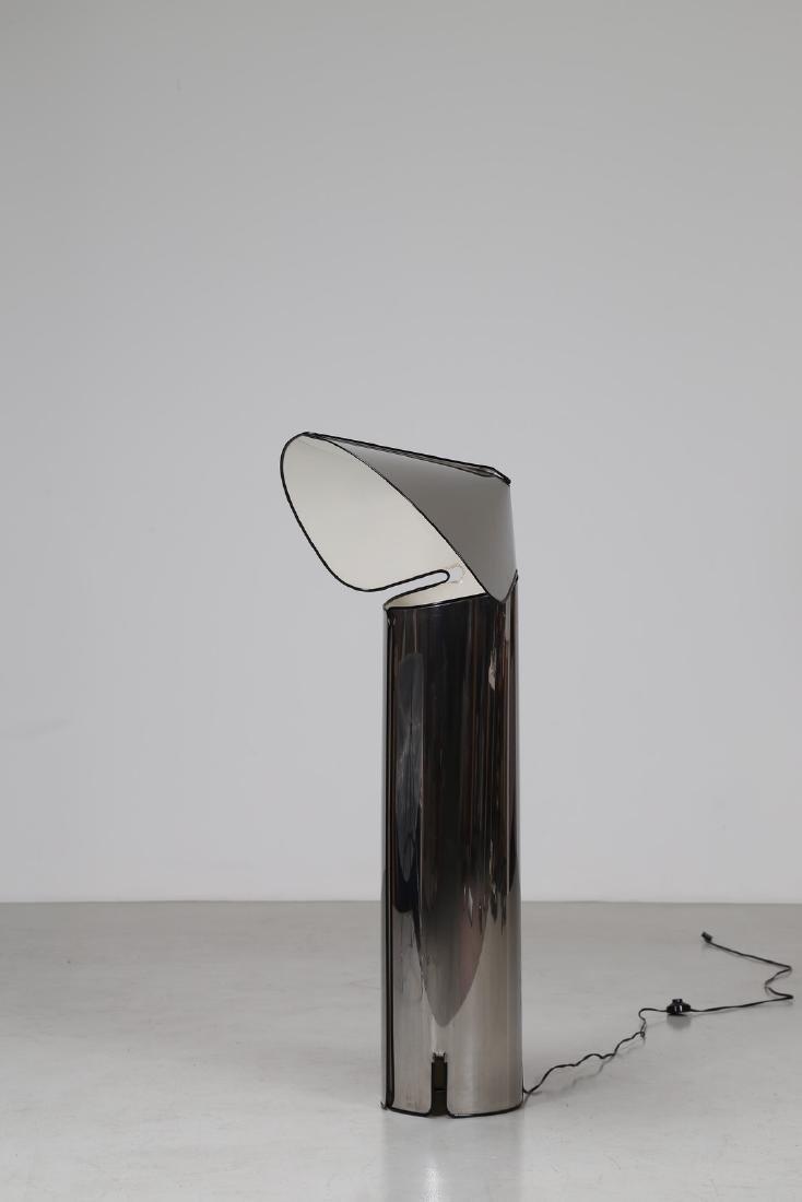 MARIO BELLINI Lampada da terra in lamiera metallica,