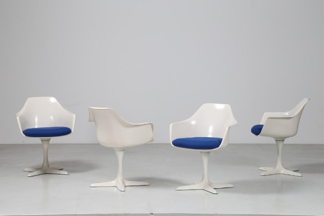 MAURICE BURKE Quattro sedie in metallo e resina, mod.