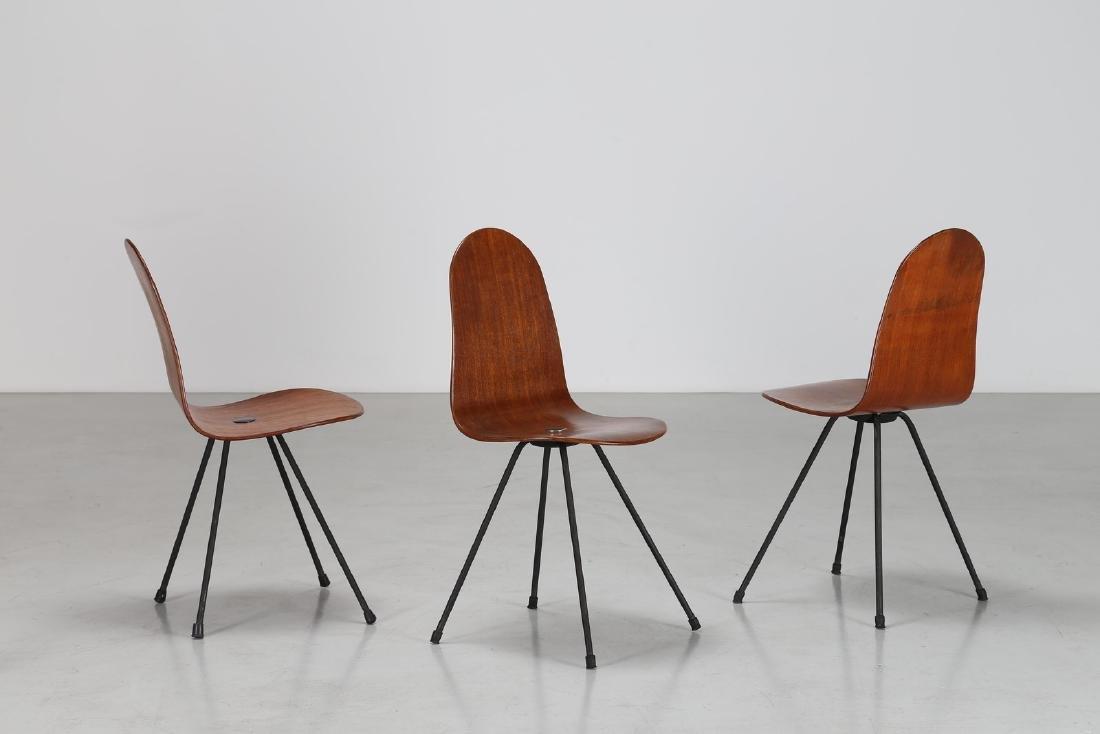 CAMPO & GRAFFI  Tre sedie in tondino di ferro e teak