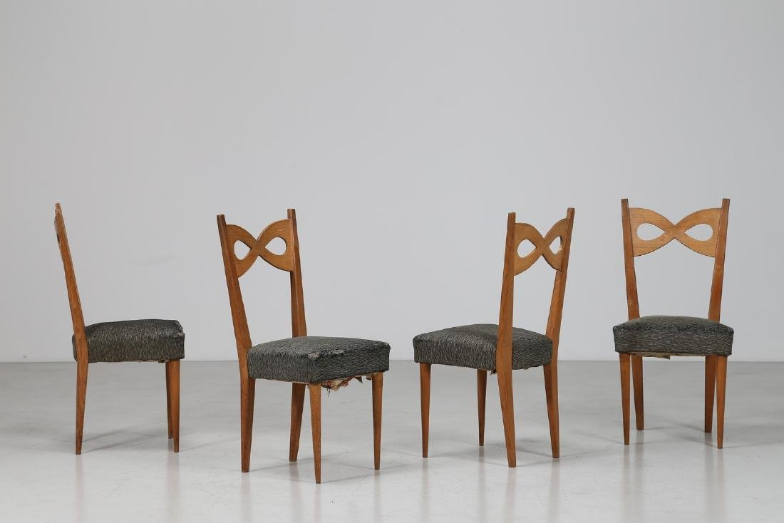 PAOLO BUFFA Quattro sedie in legno e tessuto originale,