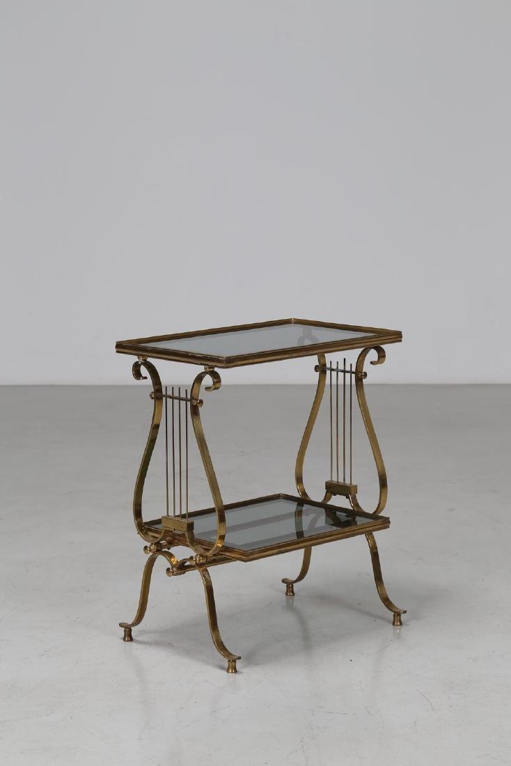 MANIFATTURA ITALIANA  Tavolino in ottone e cristallo.