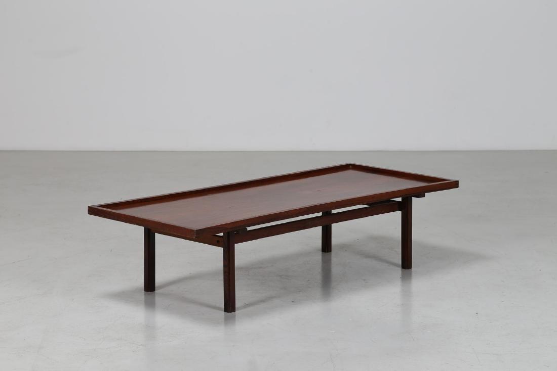 MANIFATTURA ITALIANA  Tavolino da salotto in