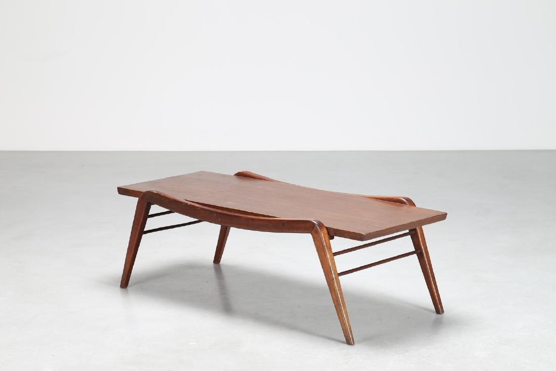 MANIFATTURA ITALIANA  Tavolino in legno, anni 50.