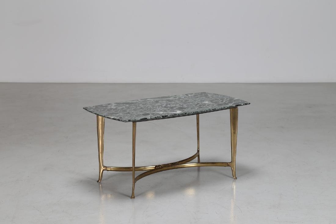 CESARE LACCA Tavolino in ottone dorato con piano in
