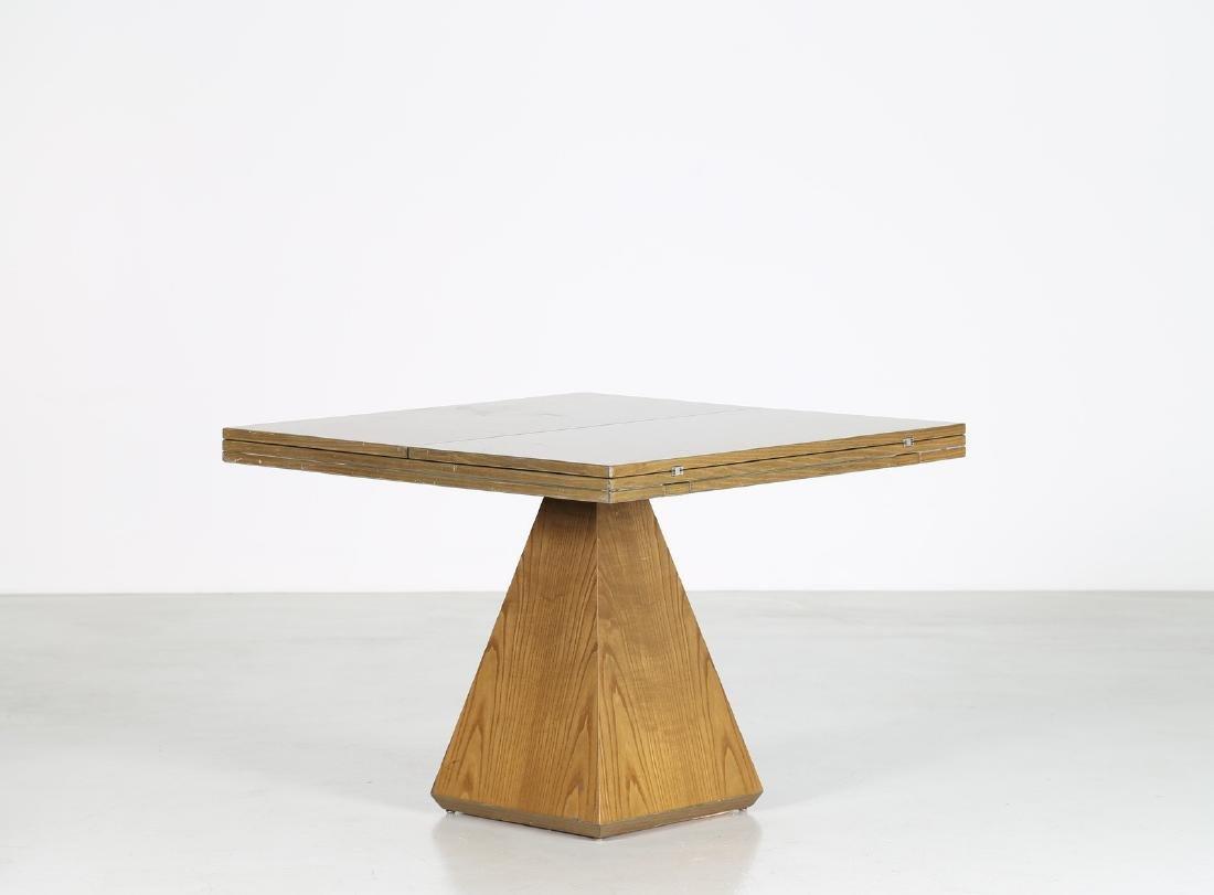 VITTORIO INTROINI Tavolo apribile in legno di