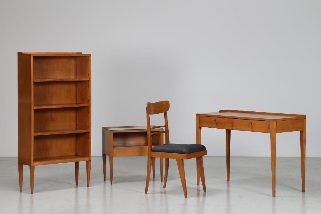 C. M. VAROS Libreria, scrivania, sedia e comodino in