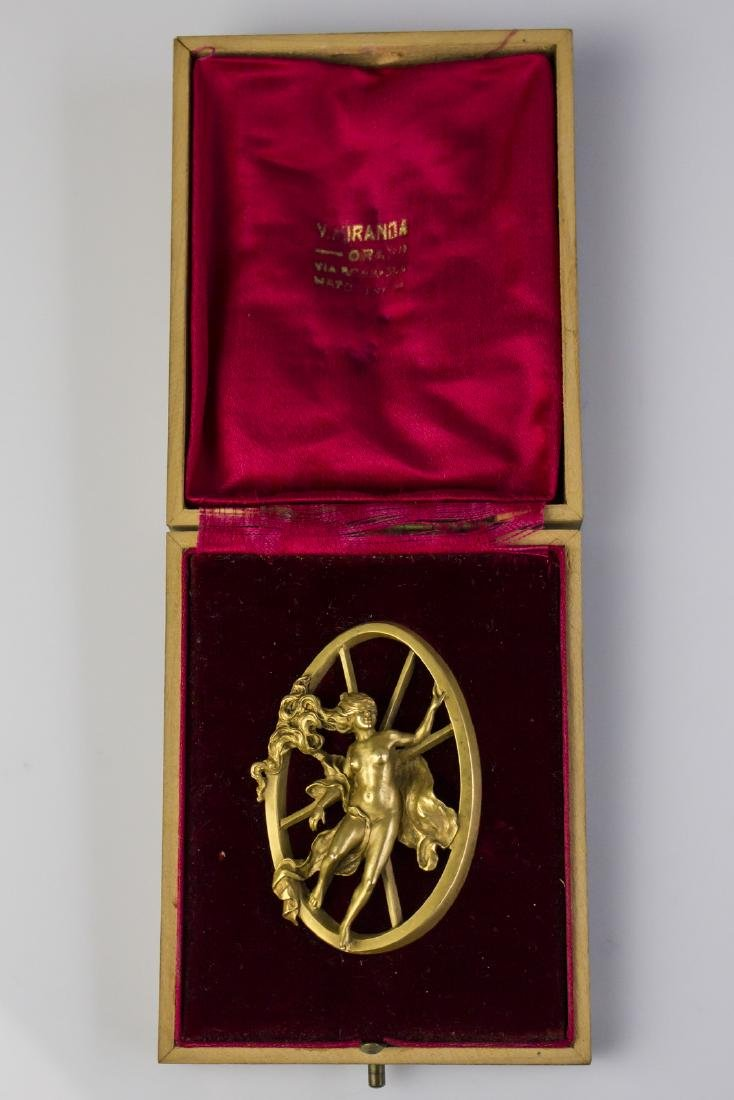 [Nessun Autore] Art Nouveau gold brooch.