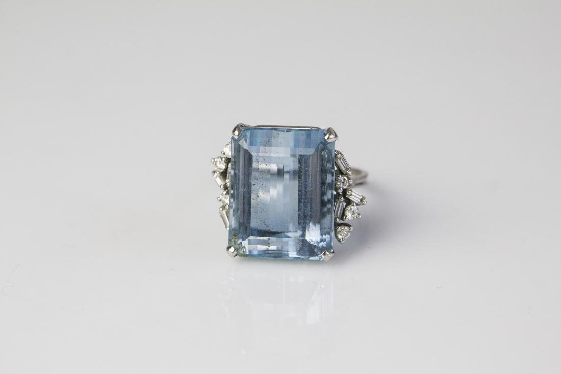 [Nessun Autore]  Gold H.Stern ring with aquamarine and