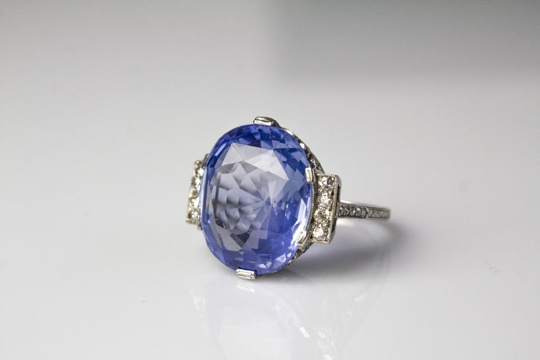 [Nessun Autore] Platinum ring with sapphire and