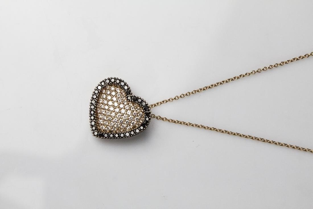 [Nessun Autore] Heart shape pendent in gold and