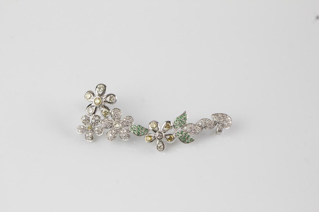 [Nessun Autore] Gold single earring with diamonds and