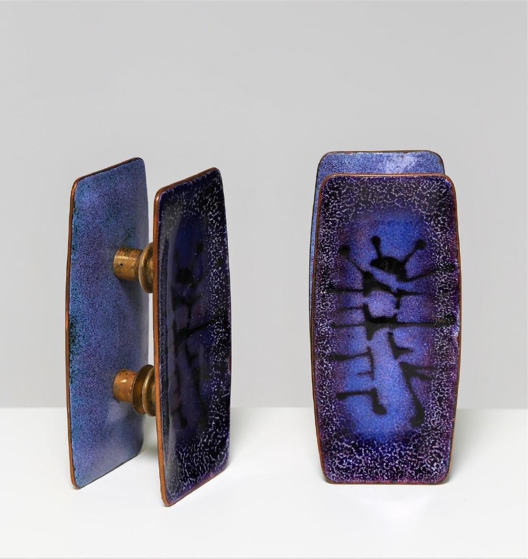 PAOLO DE POLI Pair of handles.