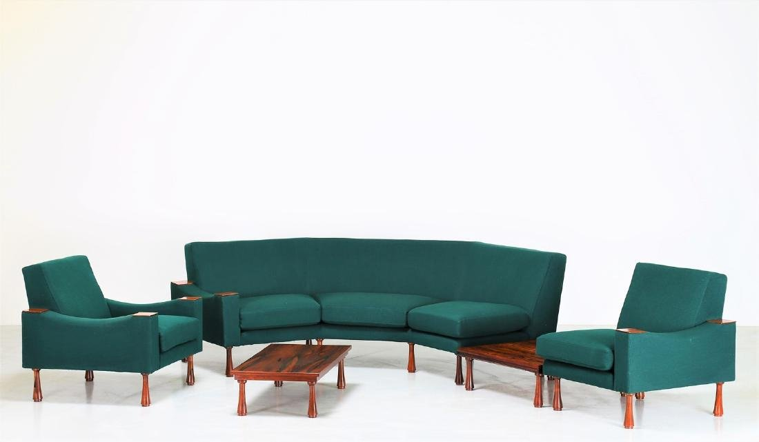 ANGELO MANGIAROTTI Modular living room with tables.