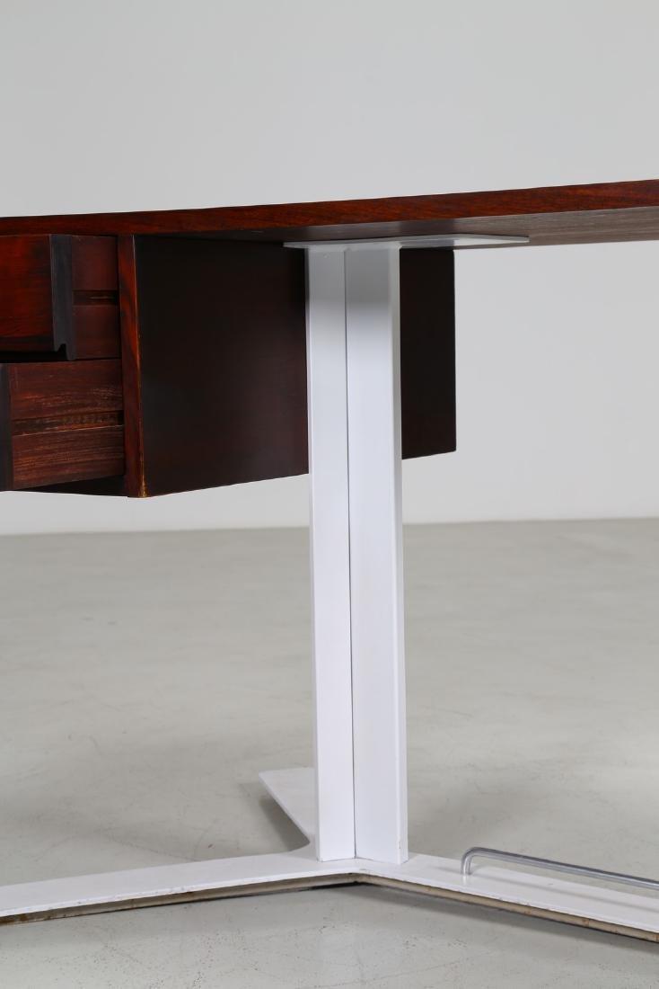 ANTONELLO MOSCA Desk. - 5