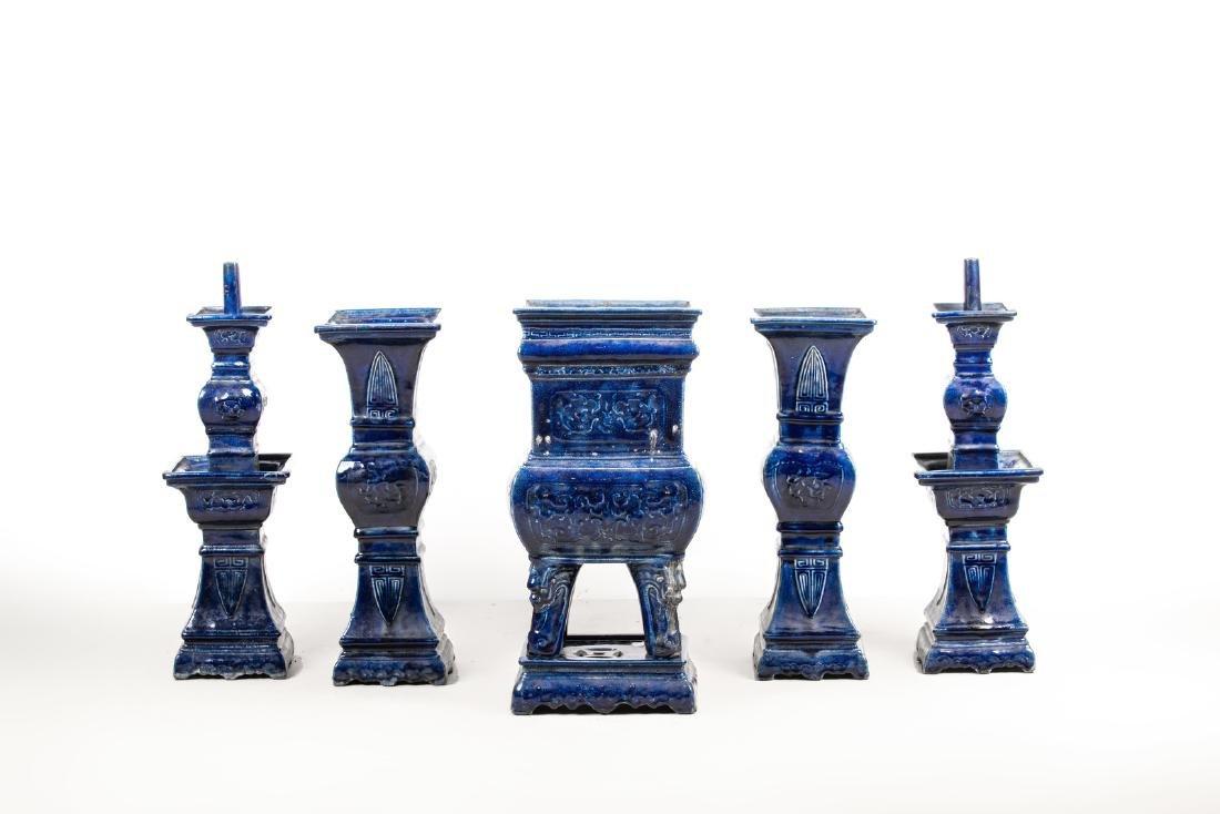 Arte Cinese  A blue glazed altar guarniture set
