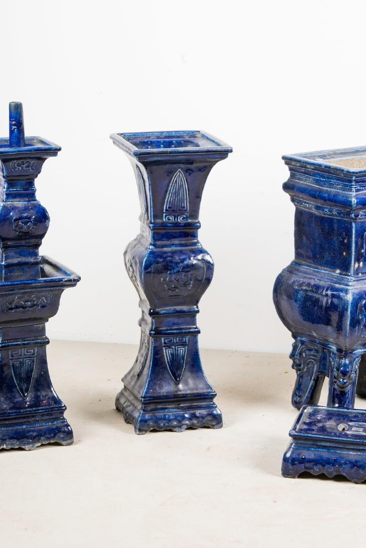 Arte Cinese  A blue glazed altar guarniture set - 7