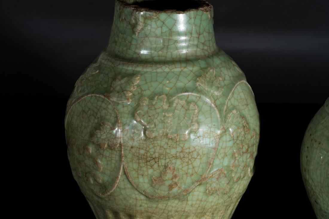 Arte Cinese  Two celadon glazed baluster vases China, - 3