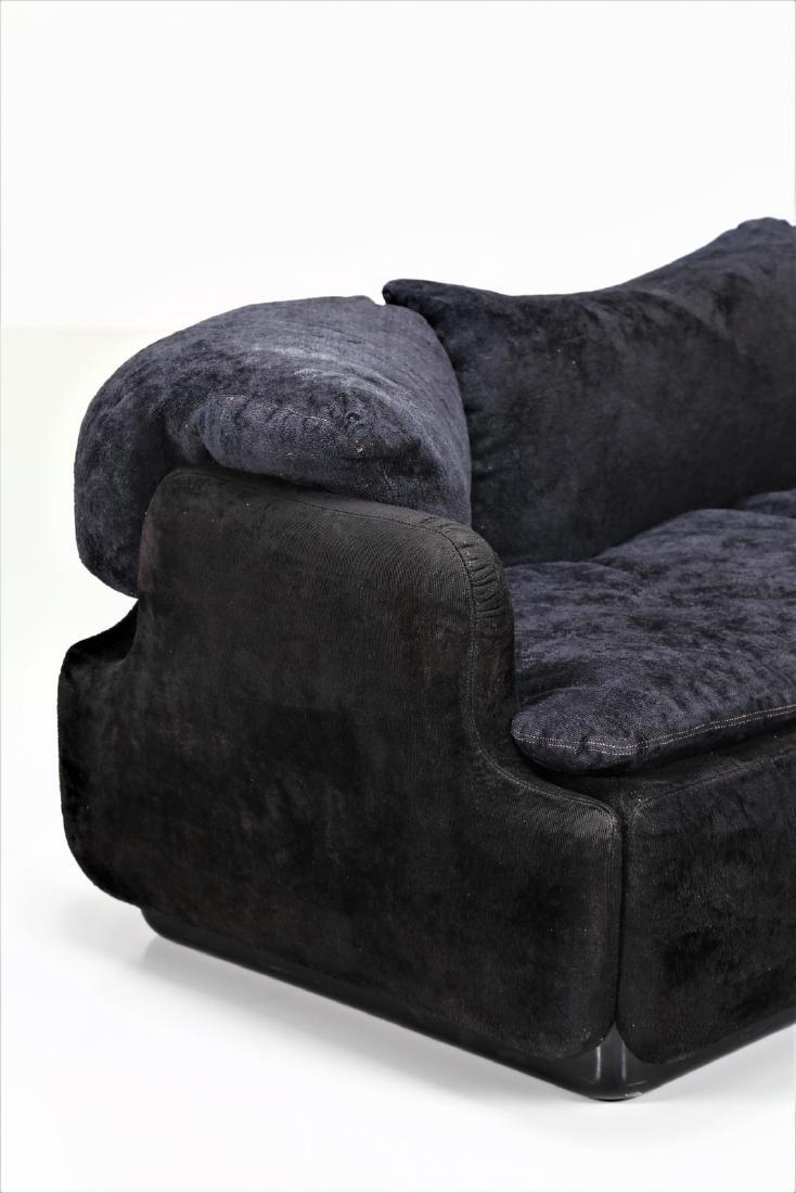 ALBERTO ROSSELLI Sofa in plastic and original fabric, - 2