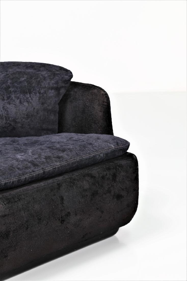 ALBERTO ROSSELLI Sofa in plastic and original fabric, - 3