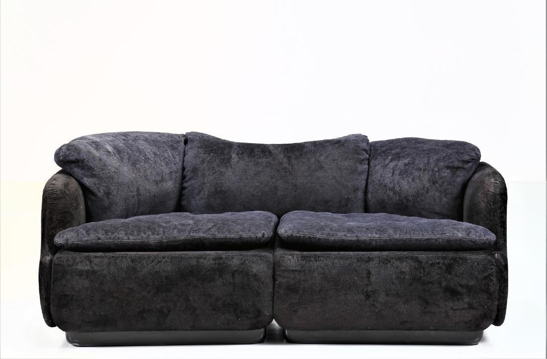 ALBERTO ROSSELLI Sofa in plastic and original fabric, - 7