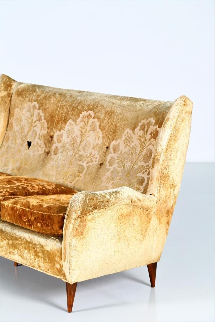 ISA BERGAMO  Sofa in wood and original fabric, 1950s. - 2