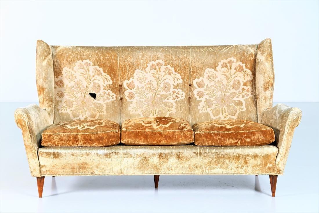 ISA BERGAMO  Sofa in wood and original fabric, 1950s. - 4