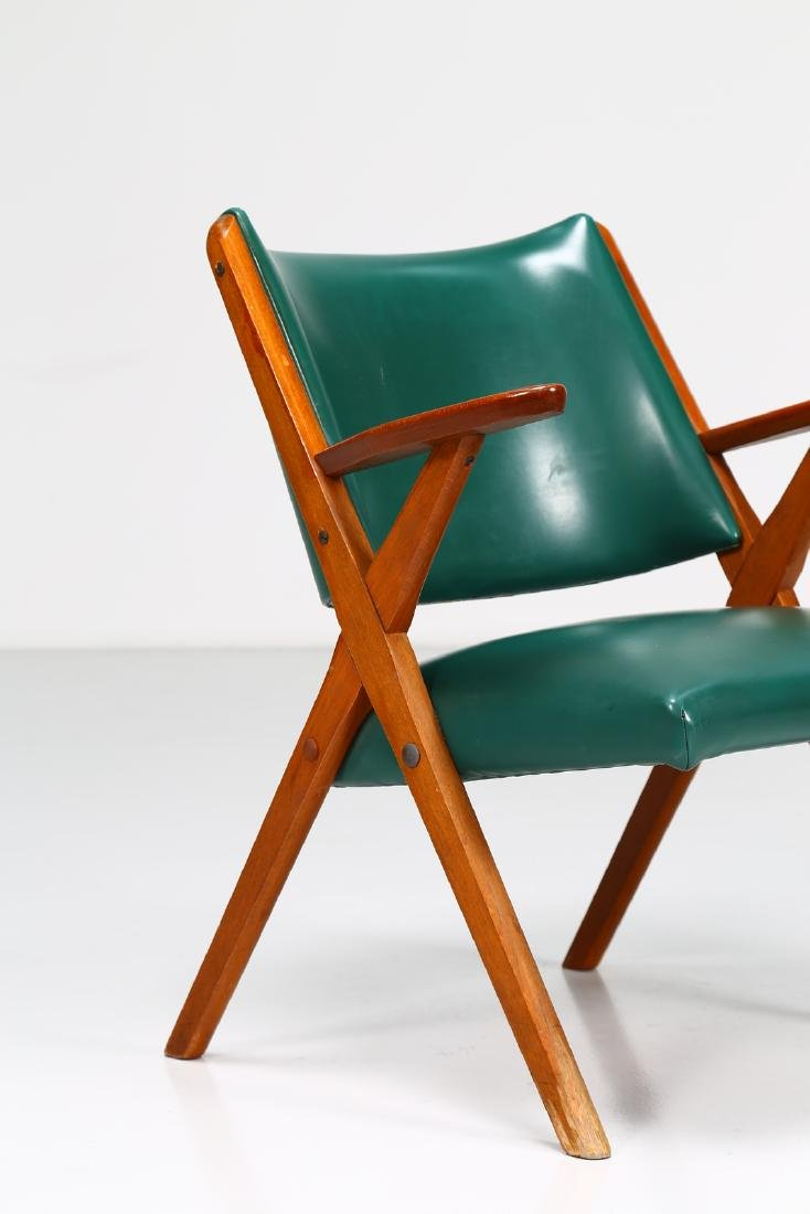MOBILI DAL VERA Pair of chairs in wood and skai, 1960s. - 3