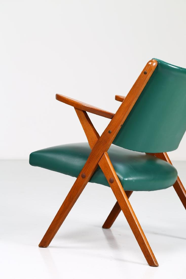 MOBILI DAL VERA Pair of chairs in wood and skai, 1960s. - 4