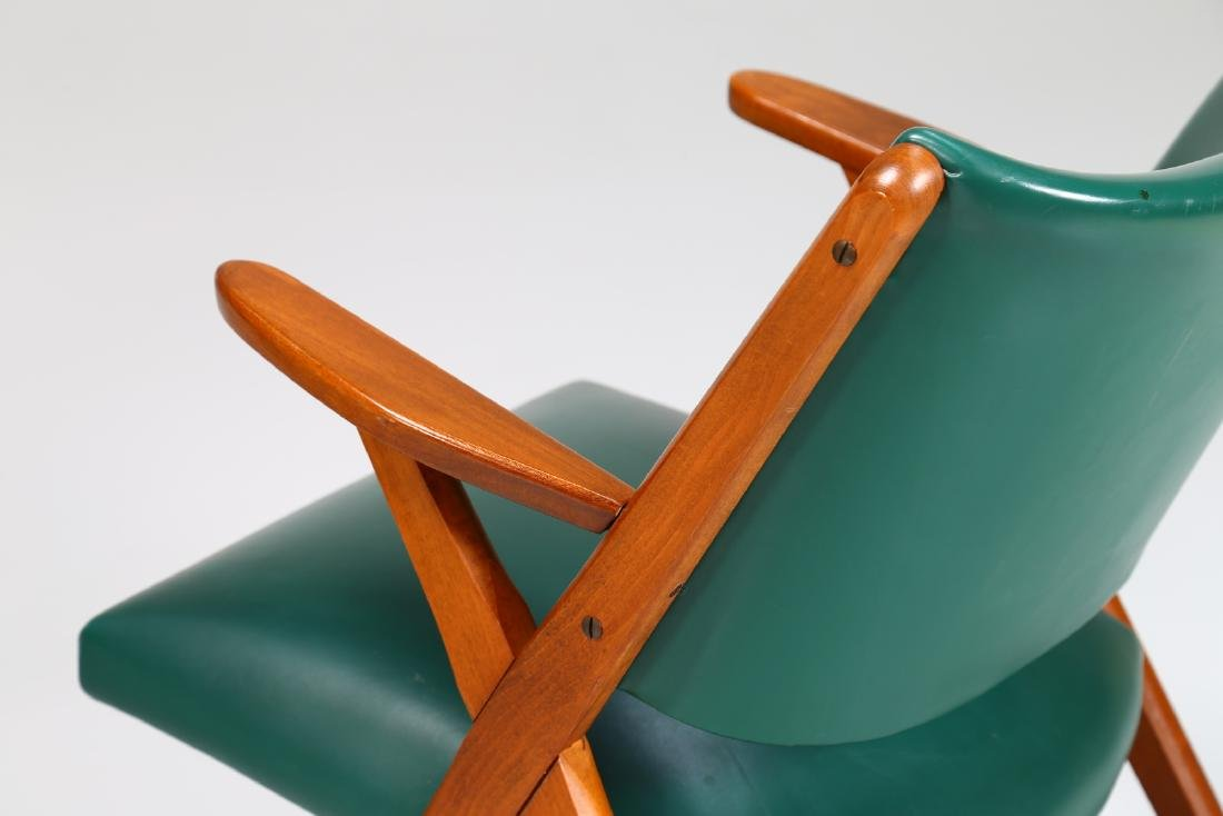 MOBILI DAL VERA Pair of chairs in wood and skai, 1960s. - 5