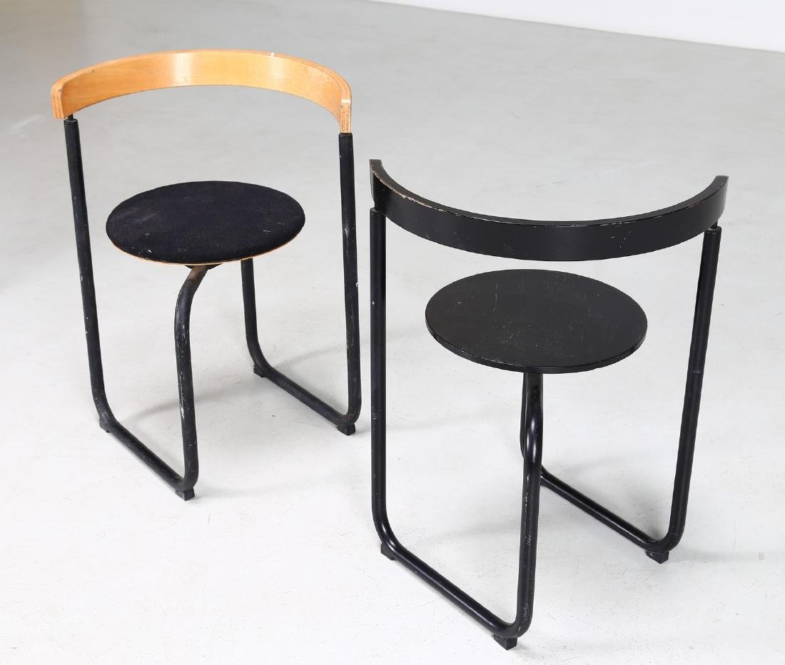 PAUSTIAN Pair of chairs in lacquered metal, bentwood - 5