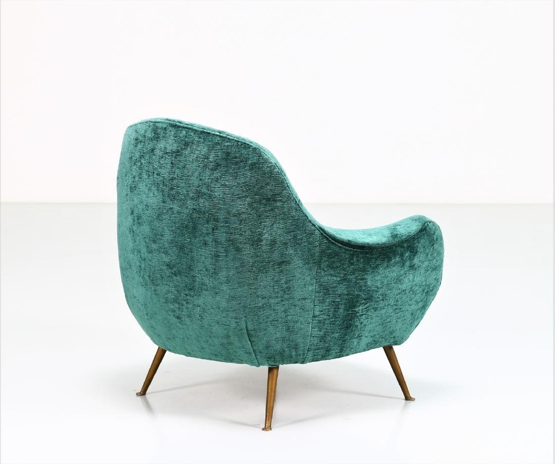MANIFATTURA ITALIANA  Fabric and brass armchair, 1950s. - 3