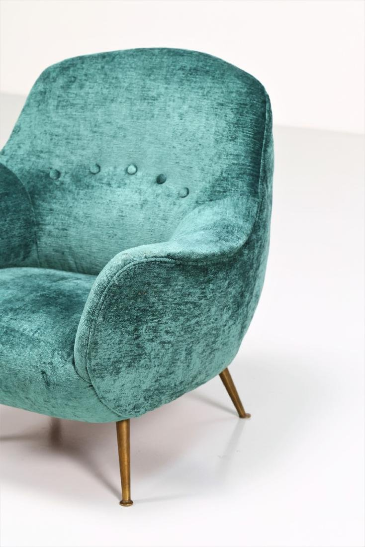 MANIFATTURA ITALIANA  Fabric and brass armchair, 1950s. - 5